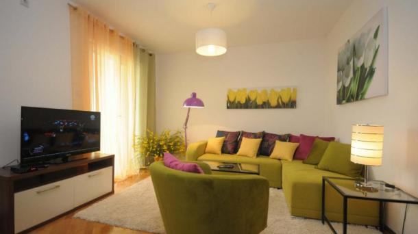 Petrovac - a small apartment in the center
