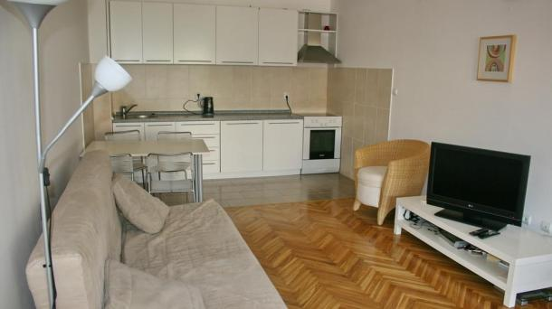 Becici - two-bedroom apartment in a small residential complex