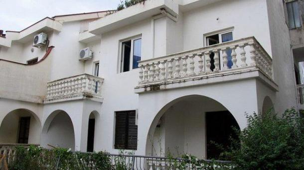 Budva - two bedroom apartment on a quiet street