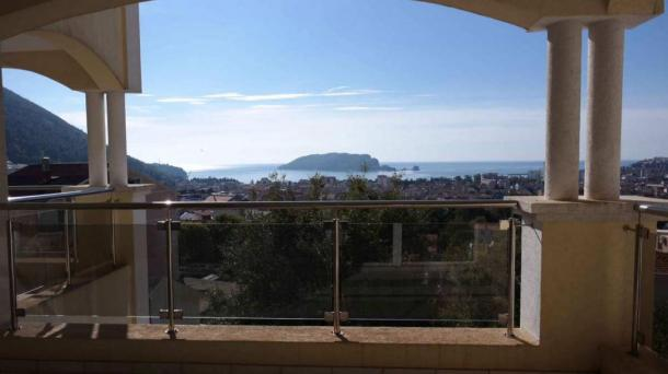 Budva - apartments in the new house