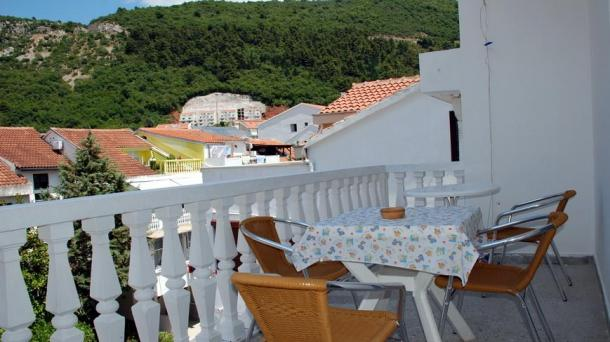 Budva - apartment with two bedrooms and a large terrace