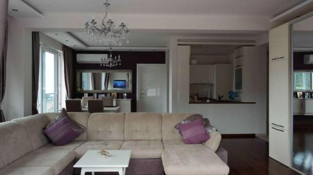Luxury apartment in a complex in Becici