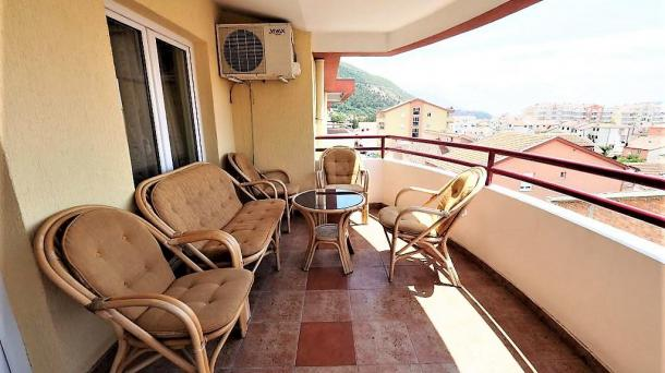 Cozy apartment in Budva