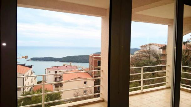 Apartment in Budva, Seoce